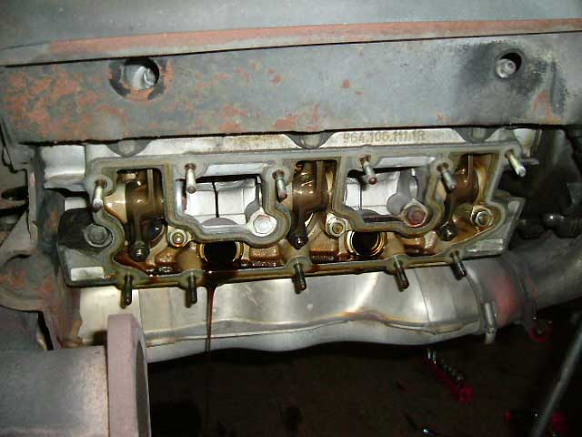 ポルシェ964オイル漏れ修理