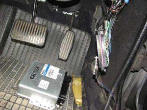 VOLVO240コンピューター修理