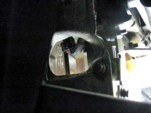 デュアロジックオイルタンク遮熱版穴あけ